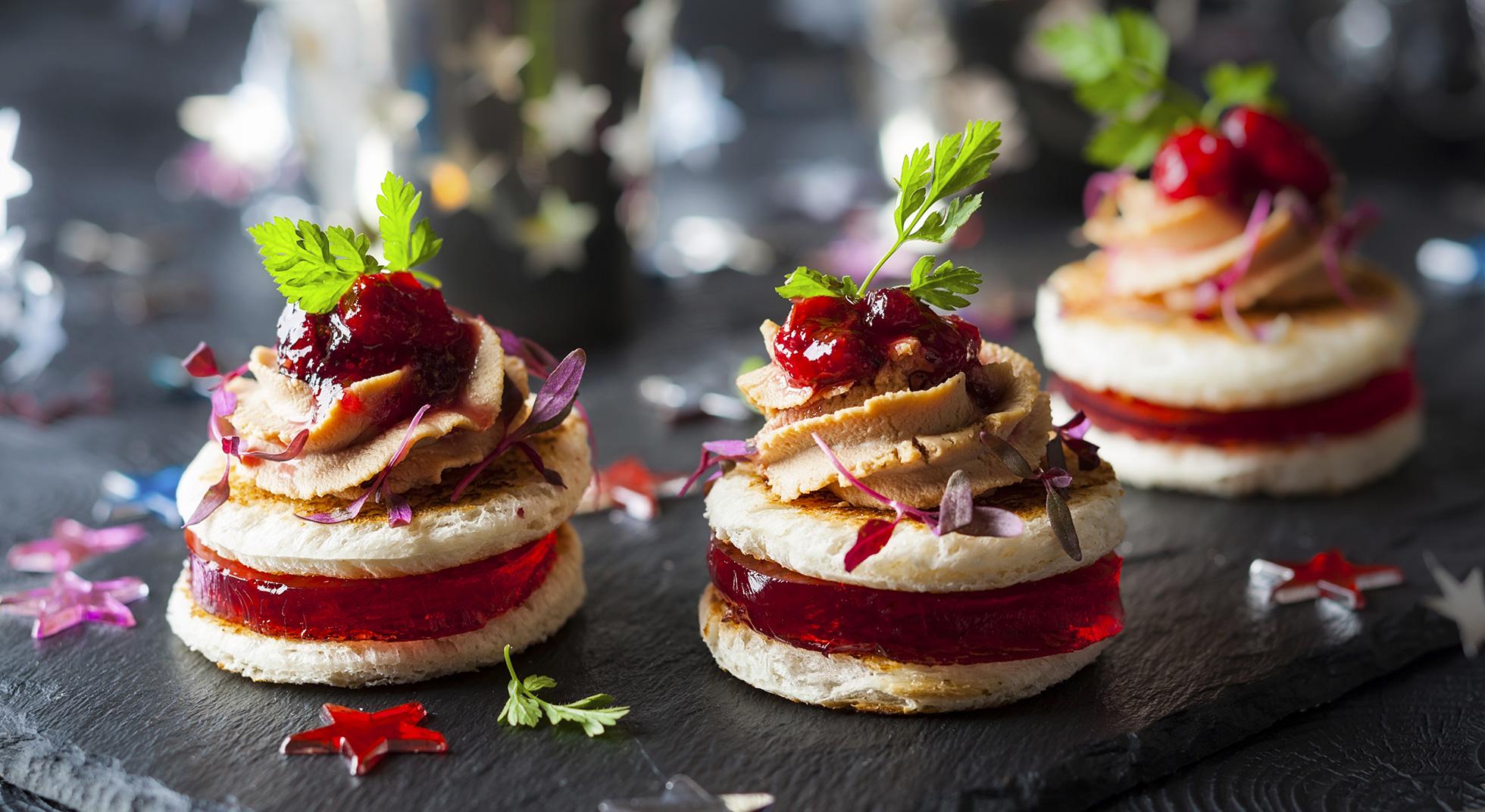 Aperitivo di natale idee e ricette sfiziose aia food for Idee per aperitivo a casa