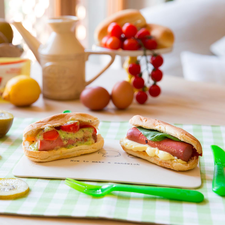 Mini hot dog al latte con wurstel e maionese di kiwi aia for Cucinare hot dog