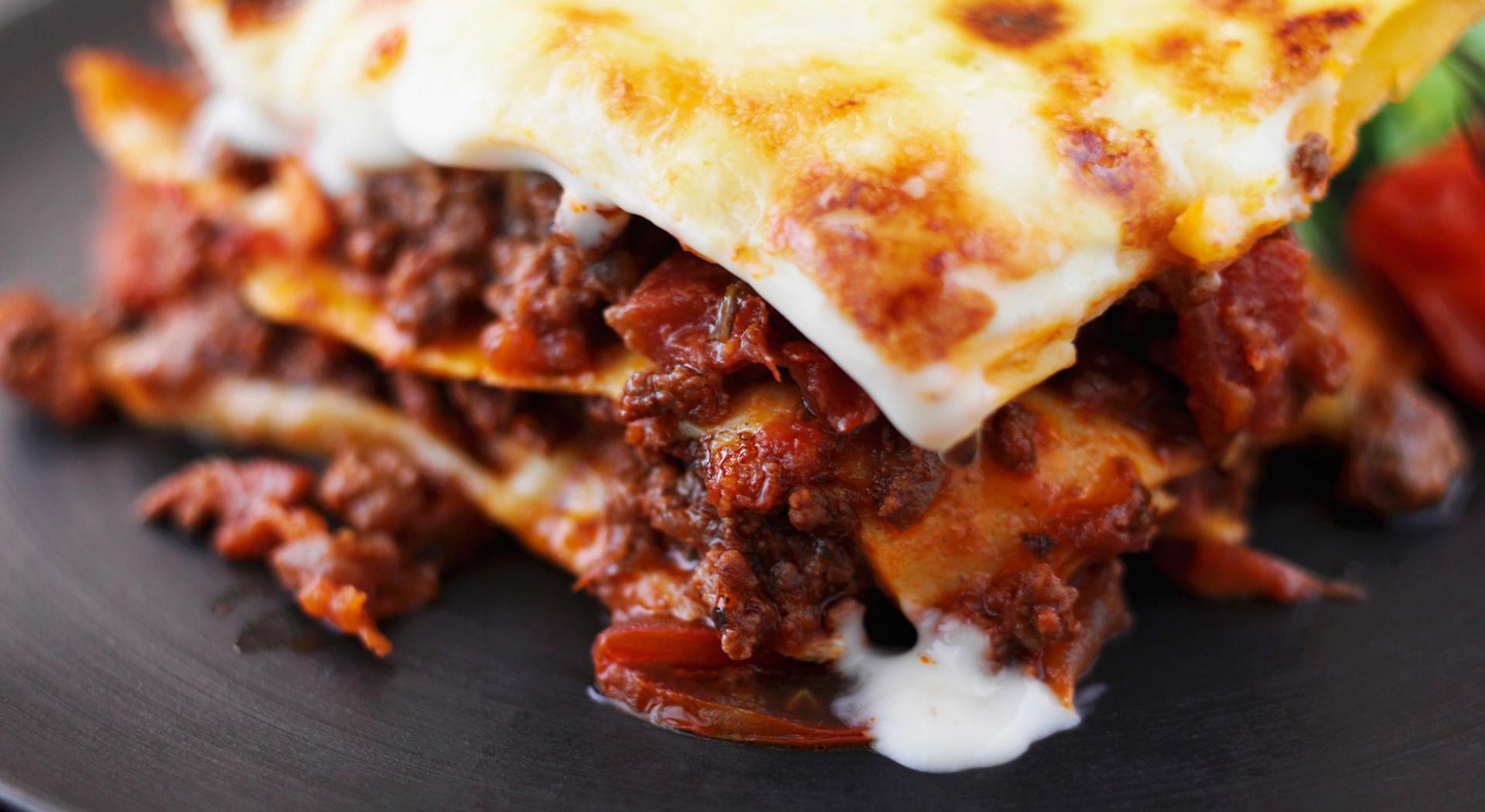 Cosa Cucinare Per Molte Persone ricette per lasagne: 10 ricette da provare ora | aia food