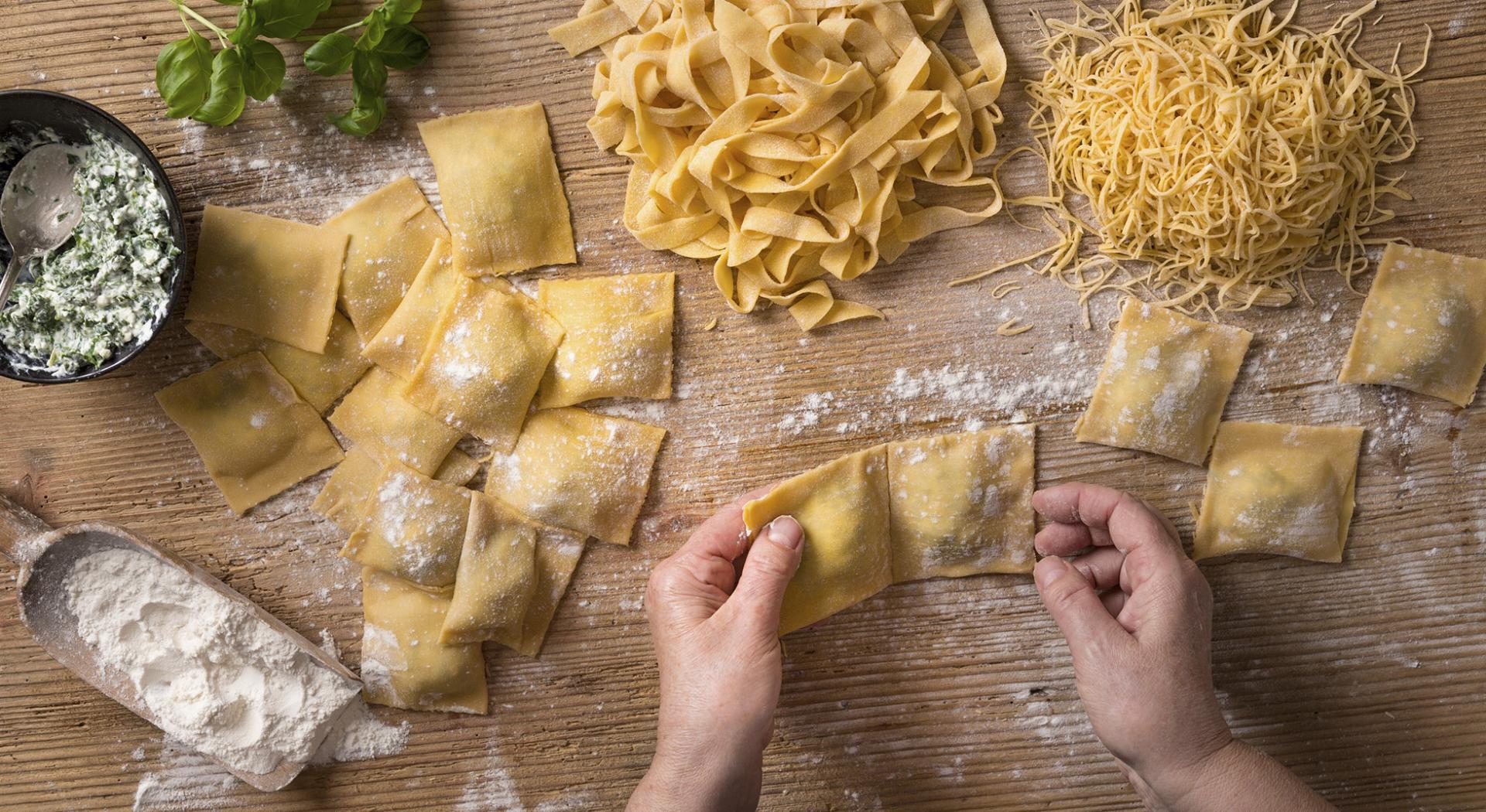 Come preparare la pasta fresca all'uovo in casa | AIA Food