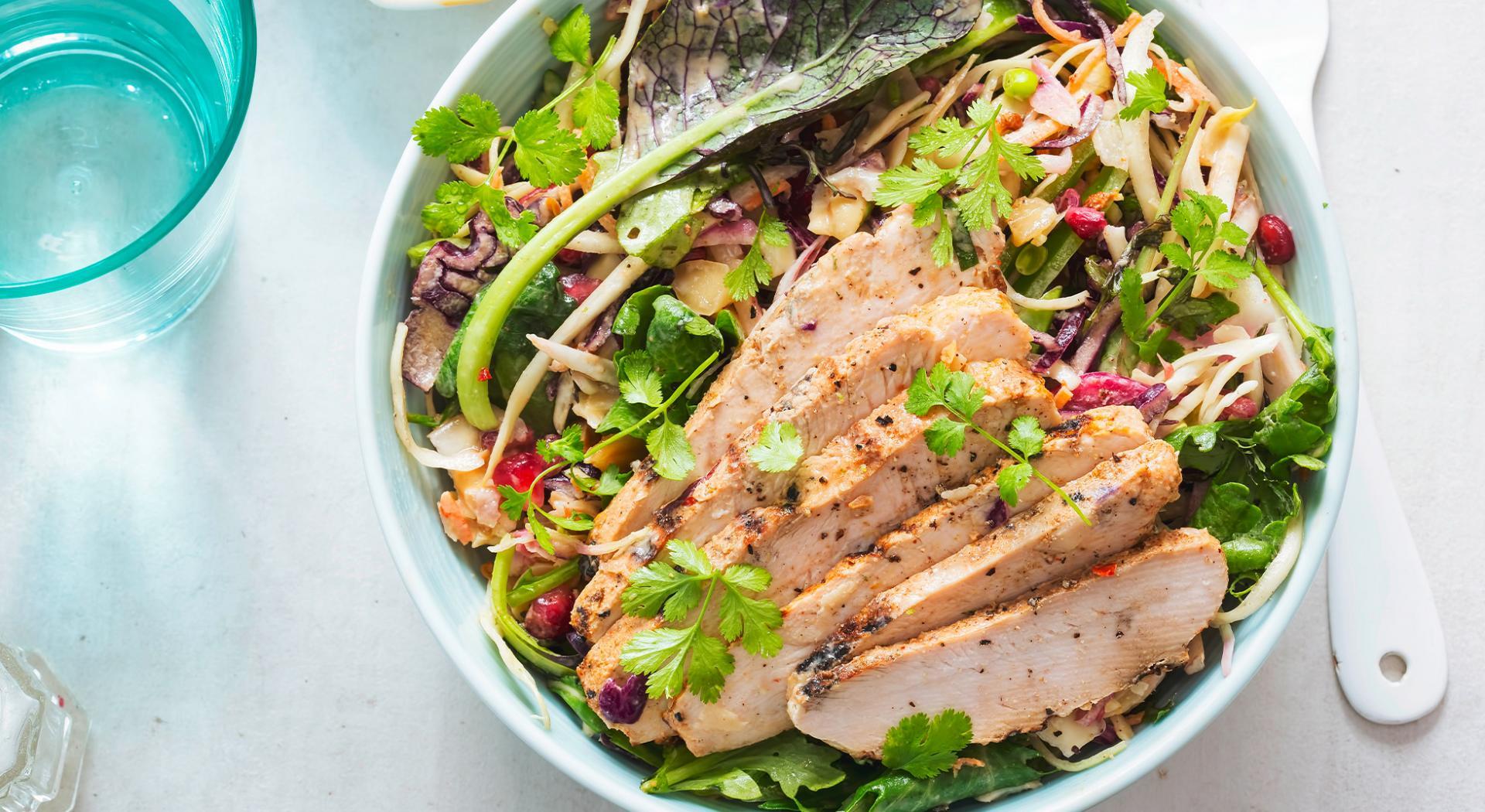 Cosa Fare A Pranzo tacchino: 10 ricette leggere e gustose | aia food