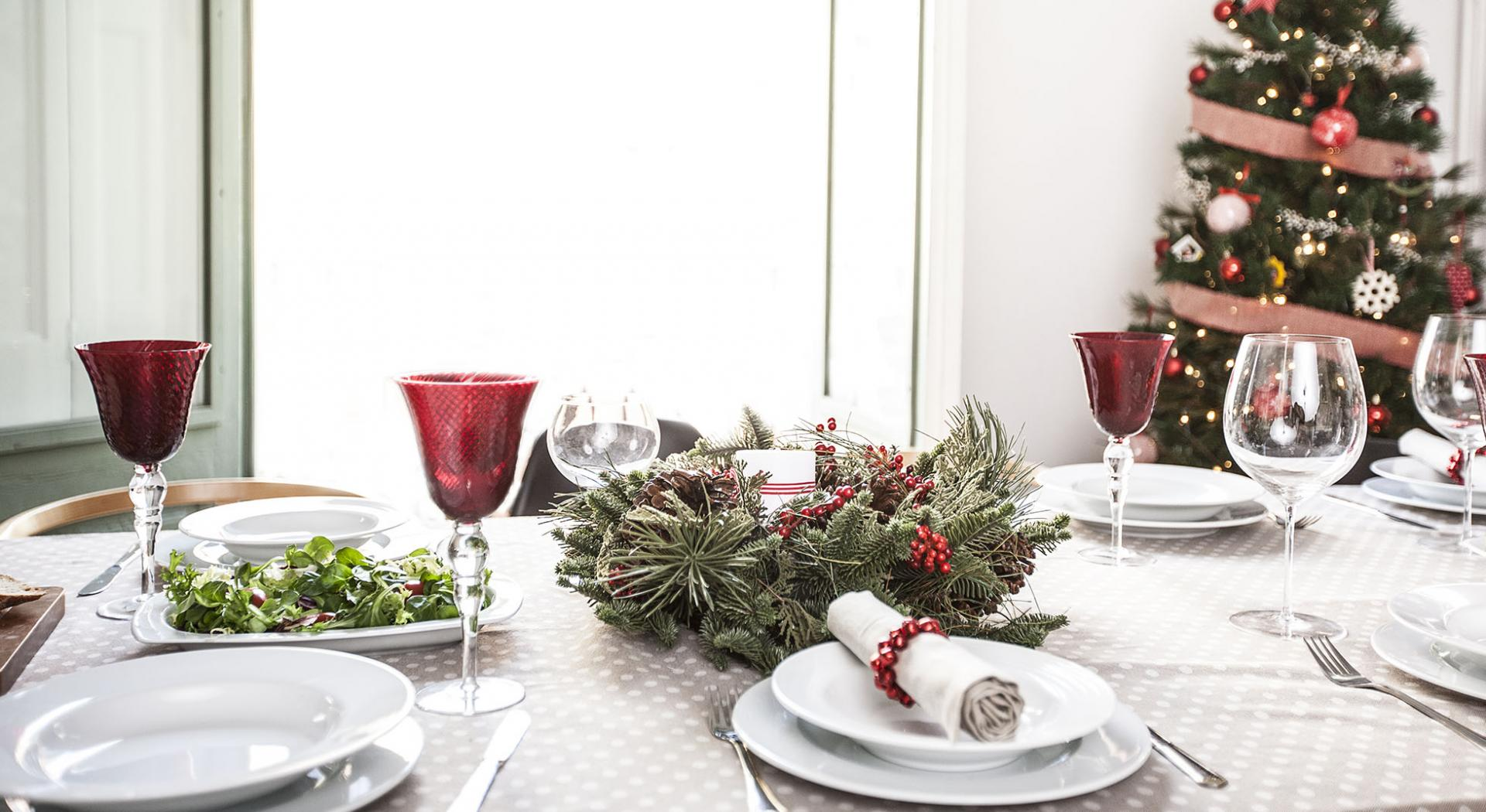 Arredare Tavola Natale come apparecchiare la tavola di natale tradizionale | aia food
