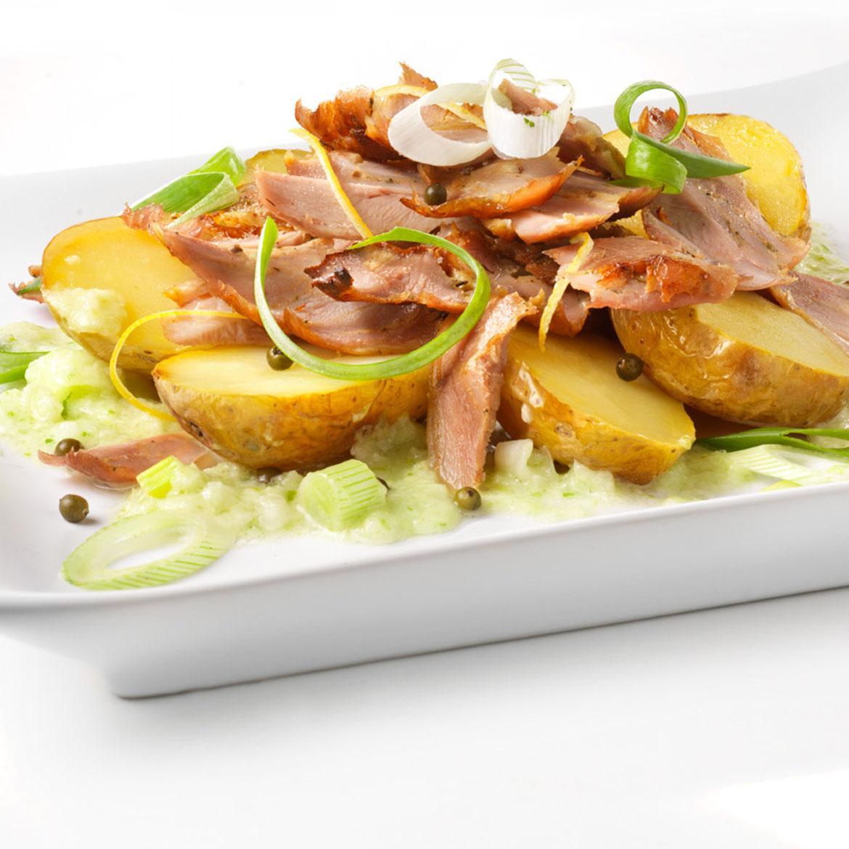 Ricetta Di Kebab Al Forno.Kebab Con Patate Al Cartoccio E Salsa Ai Cipollotti Aia Food