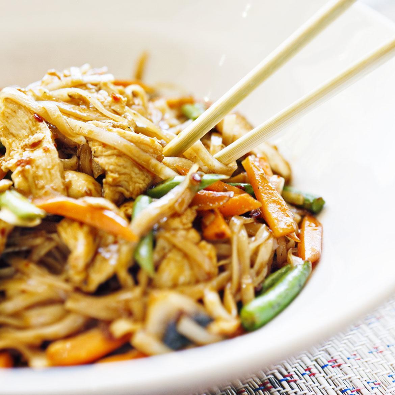 Ricetta Noodles Con Verdure E Carne.Noodles Con Pollo E Verdure Aia Food